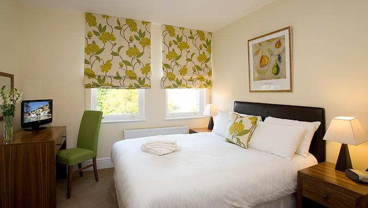 Classic bedroom in SACO Reading - Castle Crescent - Citybase Apartments