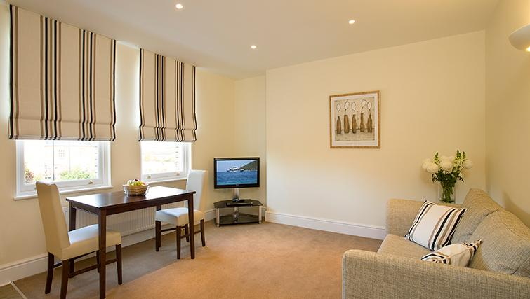 Living area at SACO Reading - Castle Crescent - Citybase Apartments