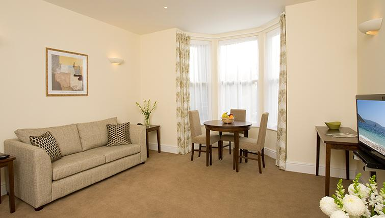Excellent living area in SACO Reading - Castle Crescent - Citybase Apartments
