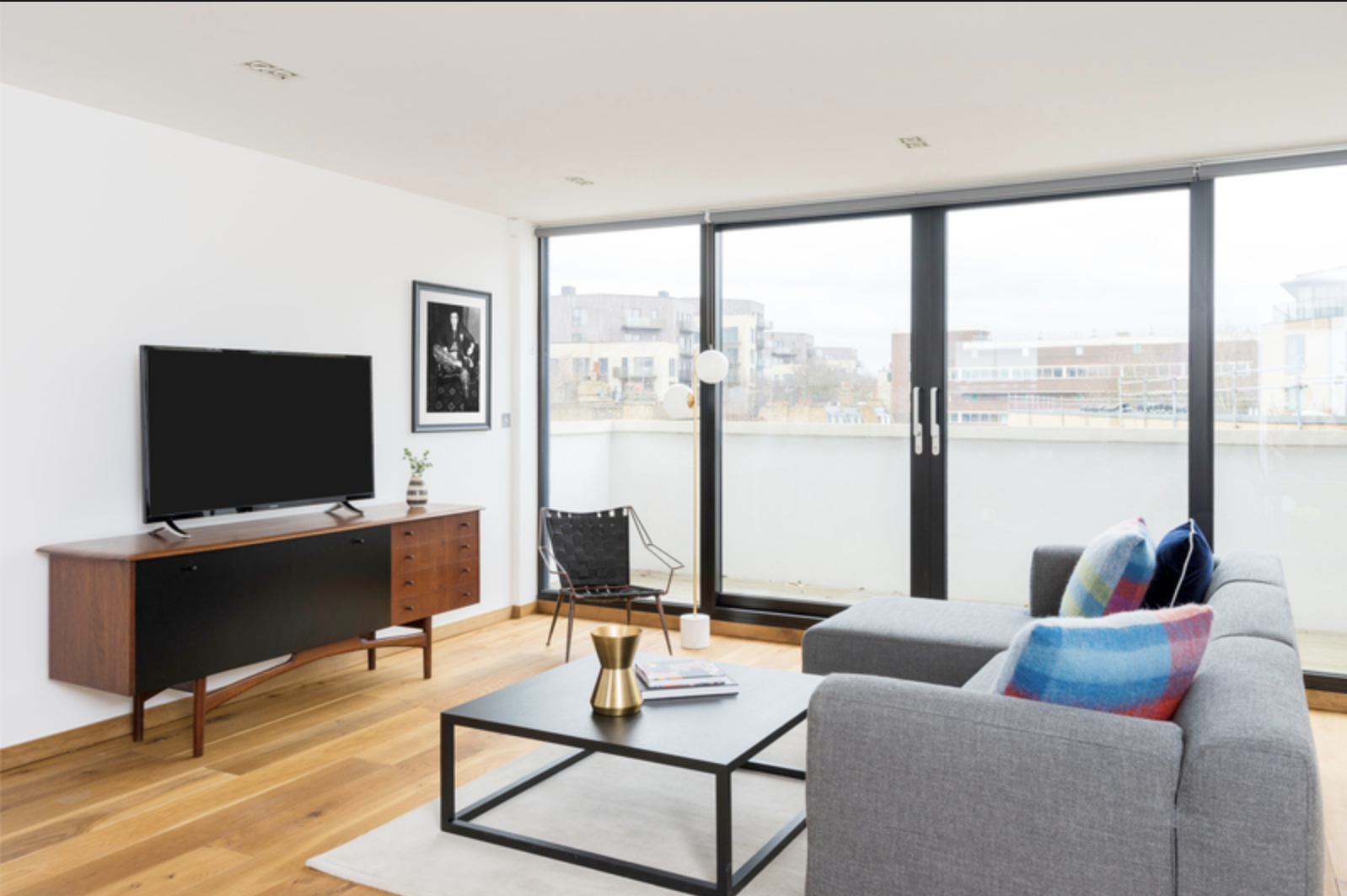 Lounge at Drum Court Apartments, Barnsbury, London - Citybase Apartments