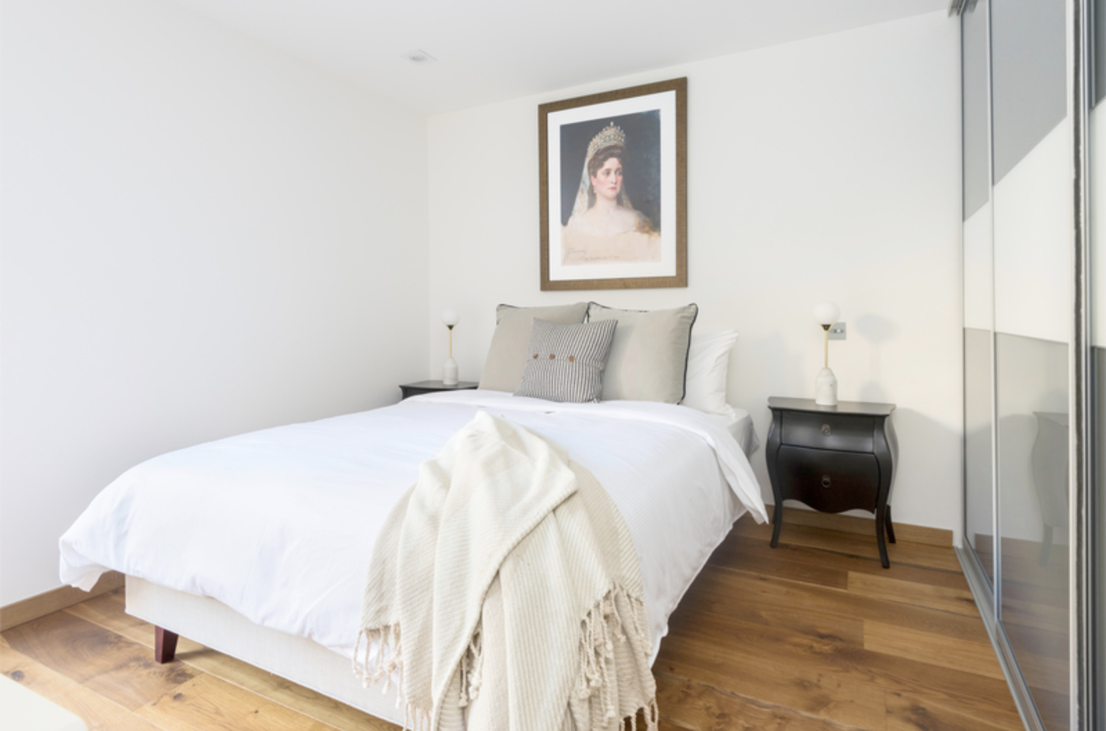 Bright bedroom at Drum Court Apartments, Barnsbury, London - Citybase Apartments