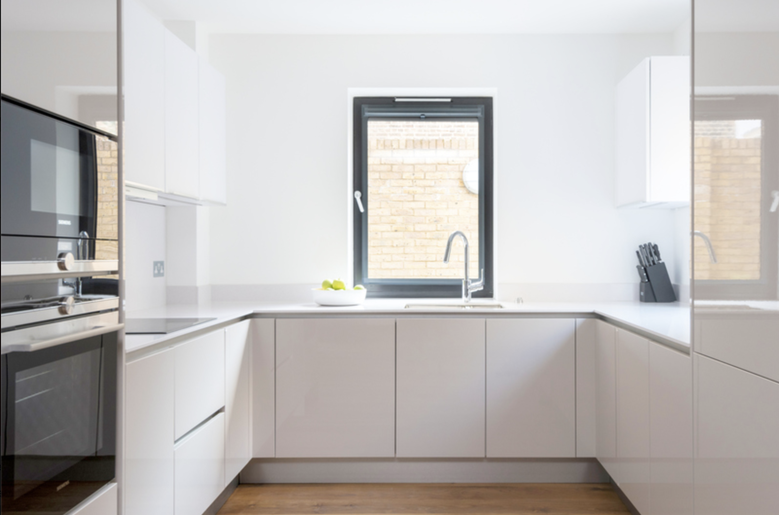 Oven at Drum Court Apartments, Barnsbury, London - Citybase Apartments