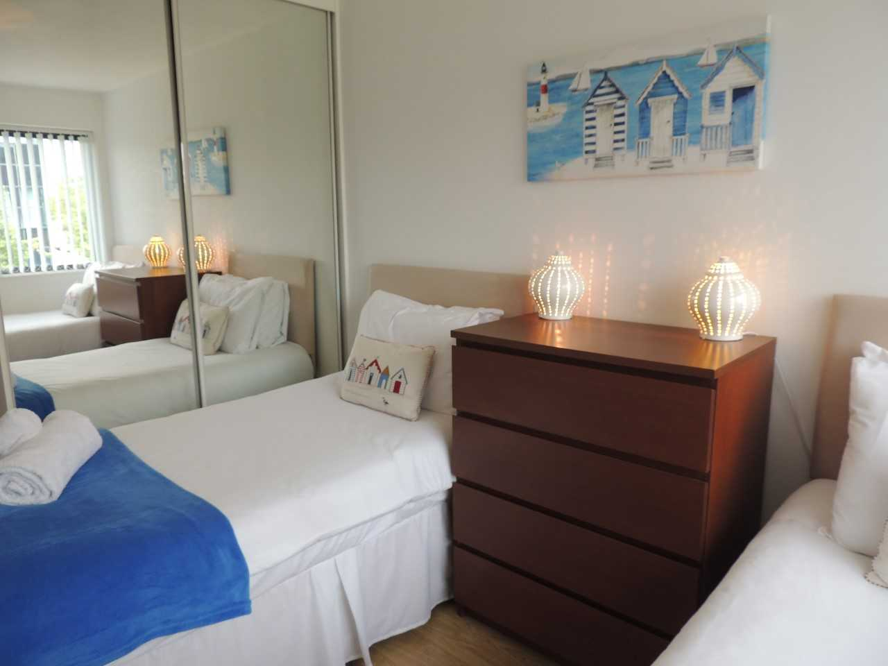 Twin beds at South Row Apartments - Citybase Apartments