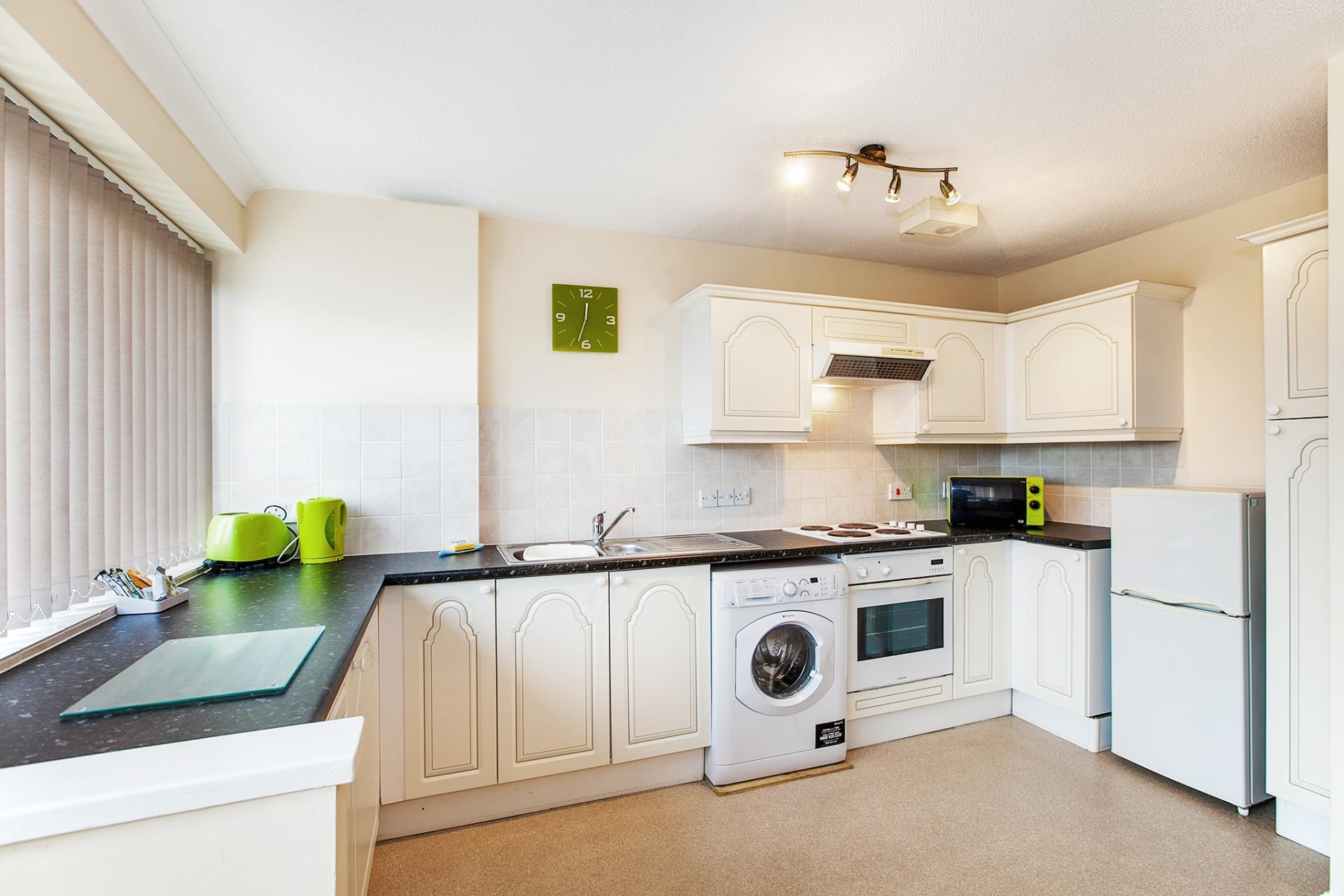 Kitchen at South Row Apartments - Citybase Apartments