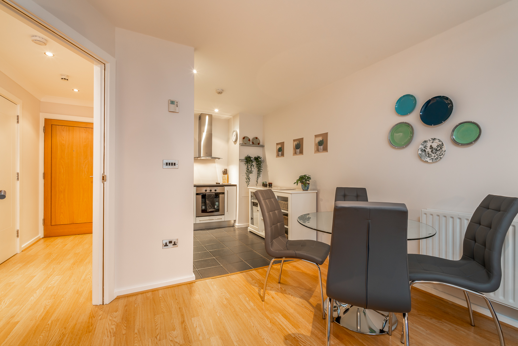 Dining area at Lazer Lane Apartment, Centre, Dublin - Citybase Apartments