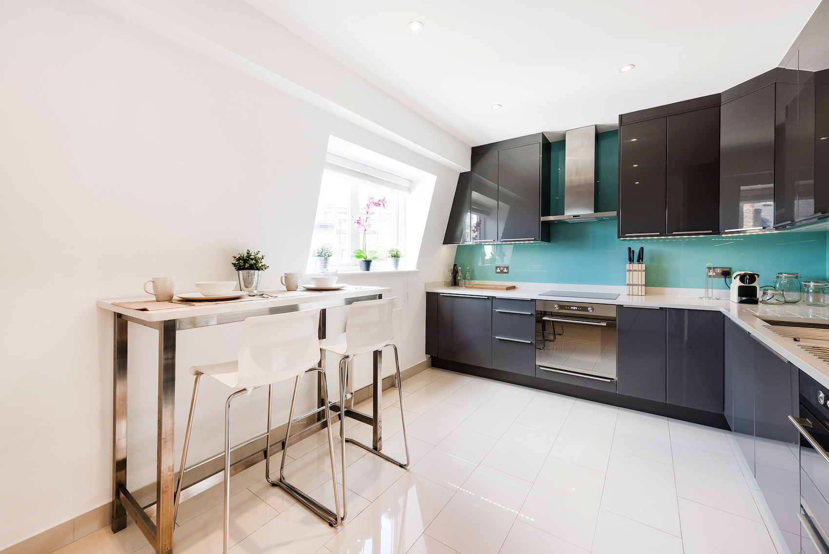 Dining area at Short Gardens Apartment, Covent Garden, London - Citybase Apartments