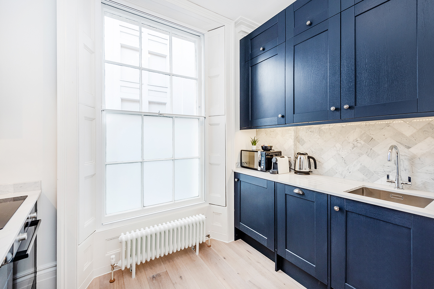 Oven at Short Gardens Apartment, Covent Garden, London - Citybase Apartments