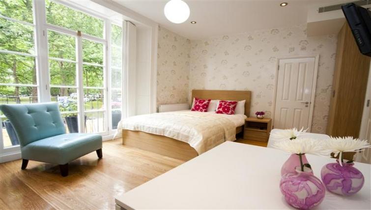 Bed at Paddington Green Apartments - Citybase Apartments