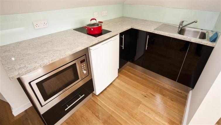 Modern kitchen at Paddington Green Apartments - Citybase Apartments