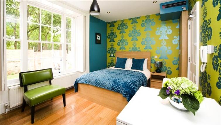 Gorgeous bedroom at Paddington Green Apartments - Citybase Apartments