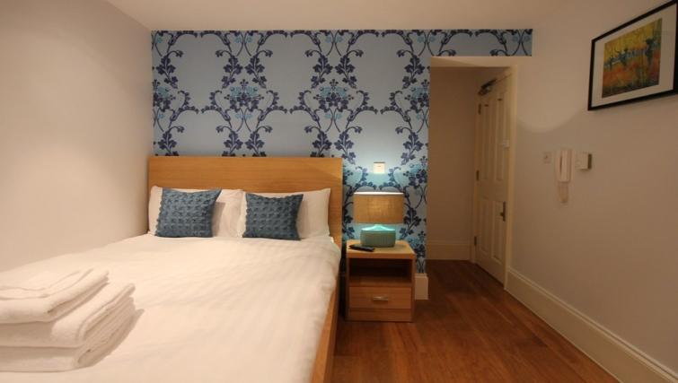 Small studio at Paddington Green Apartments - Citybase Apartments