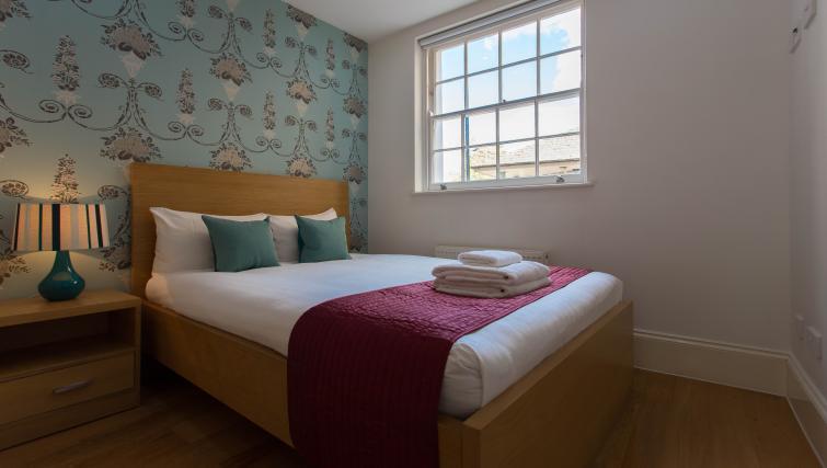 Modern bedroom at Paddington Green Apartments - Citybase Apartments