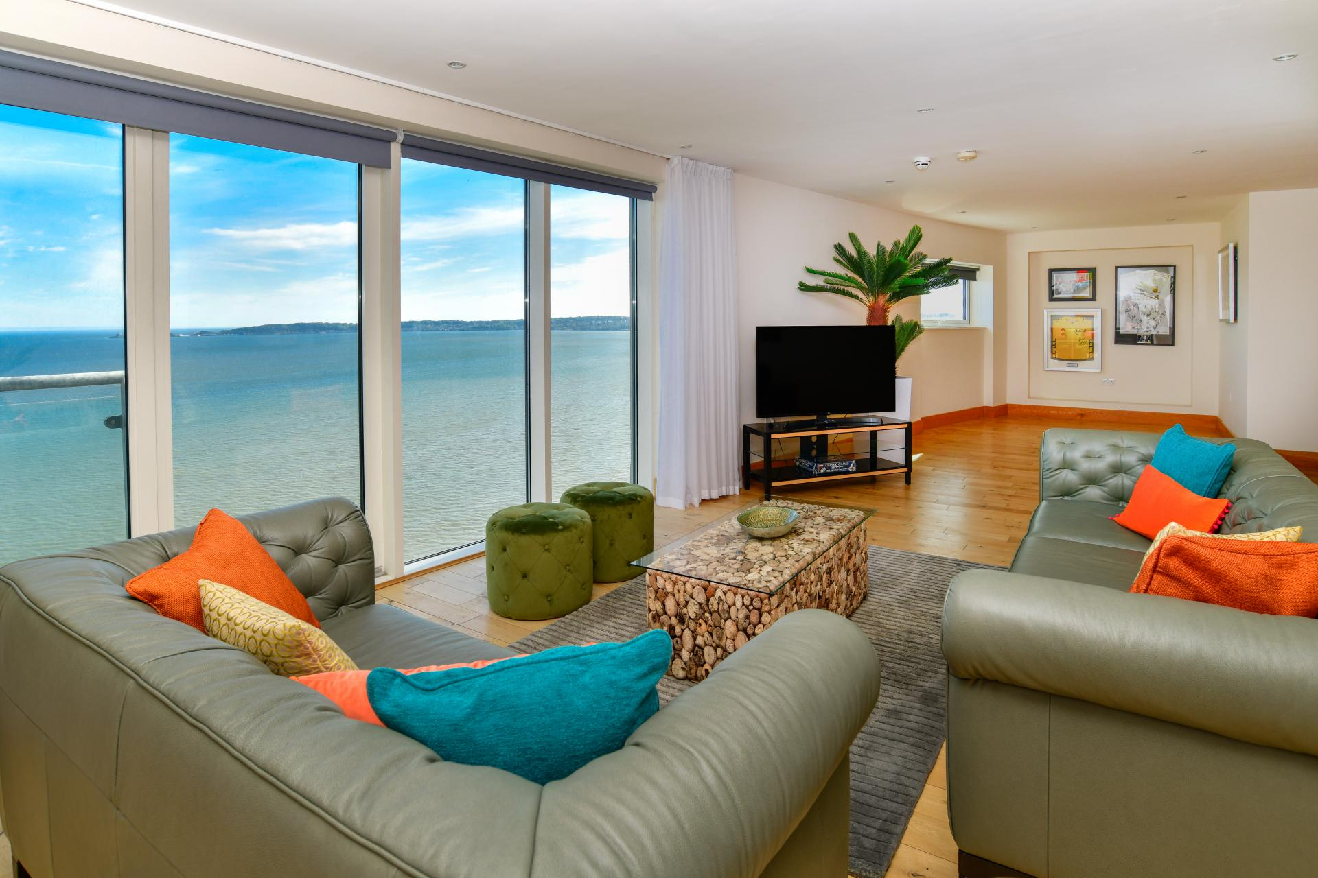 Seaview Lounge at Meridian Quay Penthouses, Maritime Quarter, Swansea - Citybase Apartments