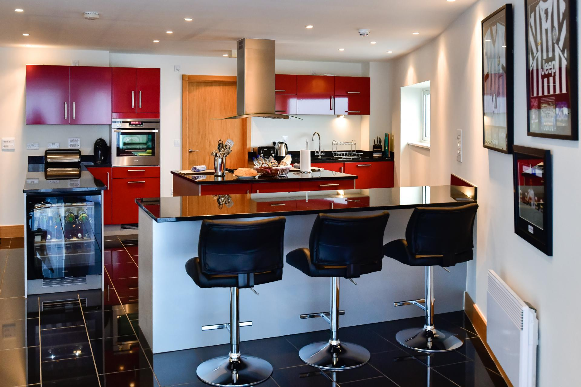 Breakfast bar at Meridian Quay Penthouses, Maritime Quarter, Swansea - Citybase Apartments