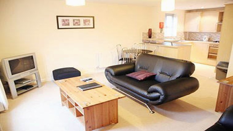 Lovely living area in Brunel Crescent Apartments - Citybase Apartments
