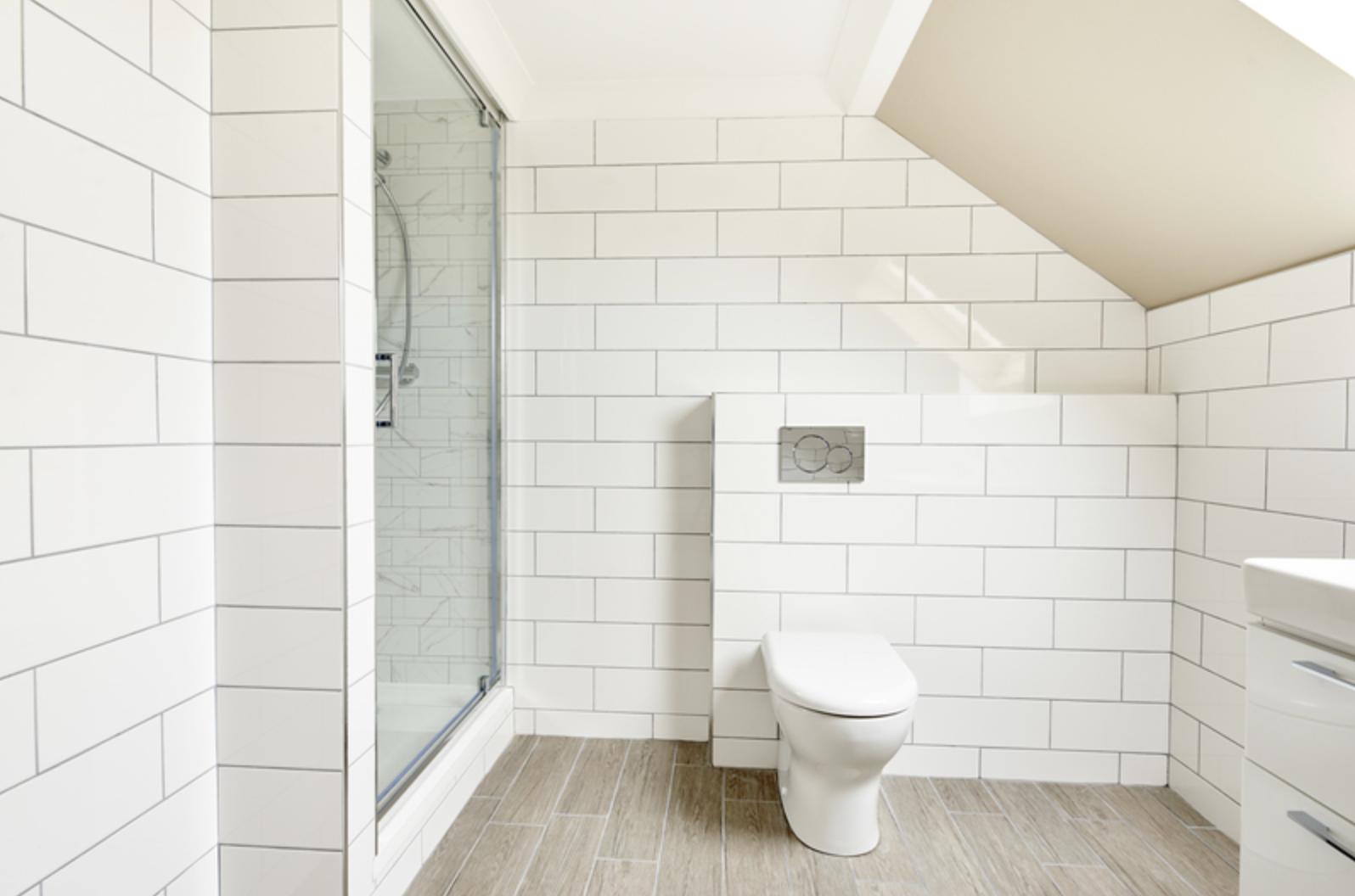 Bathroom at Royal Garden Serviced Apartments, Centre, Edinburgh - Citybase Apartments