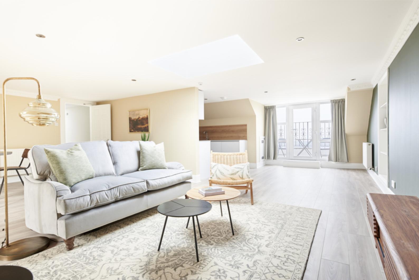 Lounge at Royal Garden Serviced Apartments, Centre, Edinburgh - Citybase Apartments