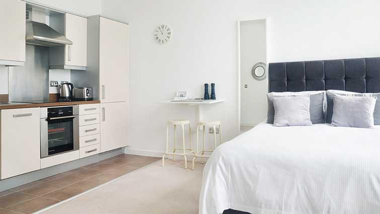 Modern studio at City Stay Apartments Hub - Citybase Apartments