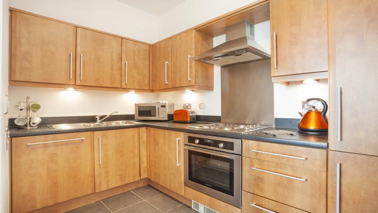 Kitchen at at City Stay Apartments Hub - Citybase Apartments