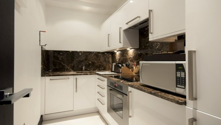 Spectacular kitchen in Brunel Crescent Apartments - Citybase Apartments