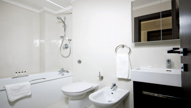 WC at 130 Queens Gate Apartments - Citybase Apartments
