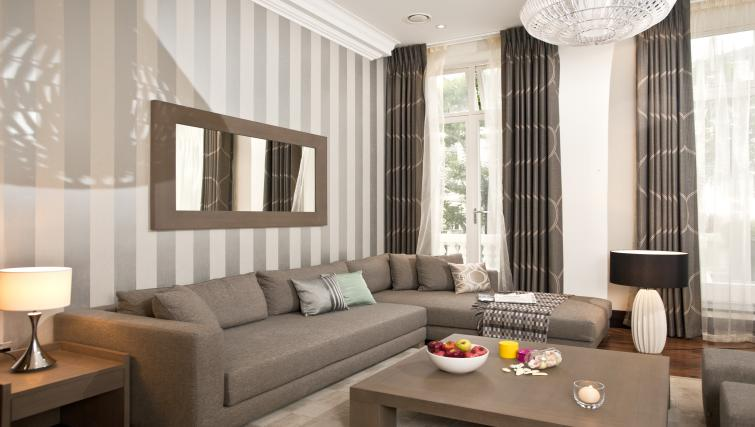 Living area in executive apartment at 130 Queens Gate Apartments - Citybase Apartments
