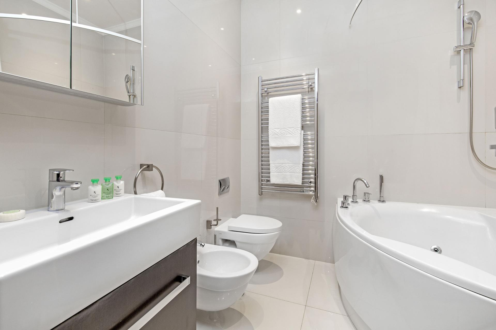 Sink at 130 Queens Gate Apartments, South Kensington, London - Citybase Apartments