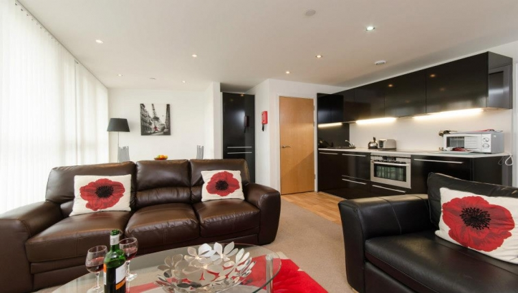 Elegant living area in Marsh House Apartments - Citybase Apartments