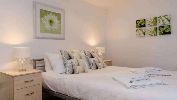 Stunning bedroom in Marsh House Apartments - Citybase Apartments