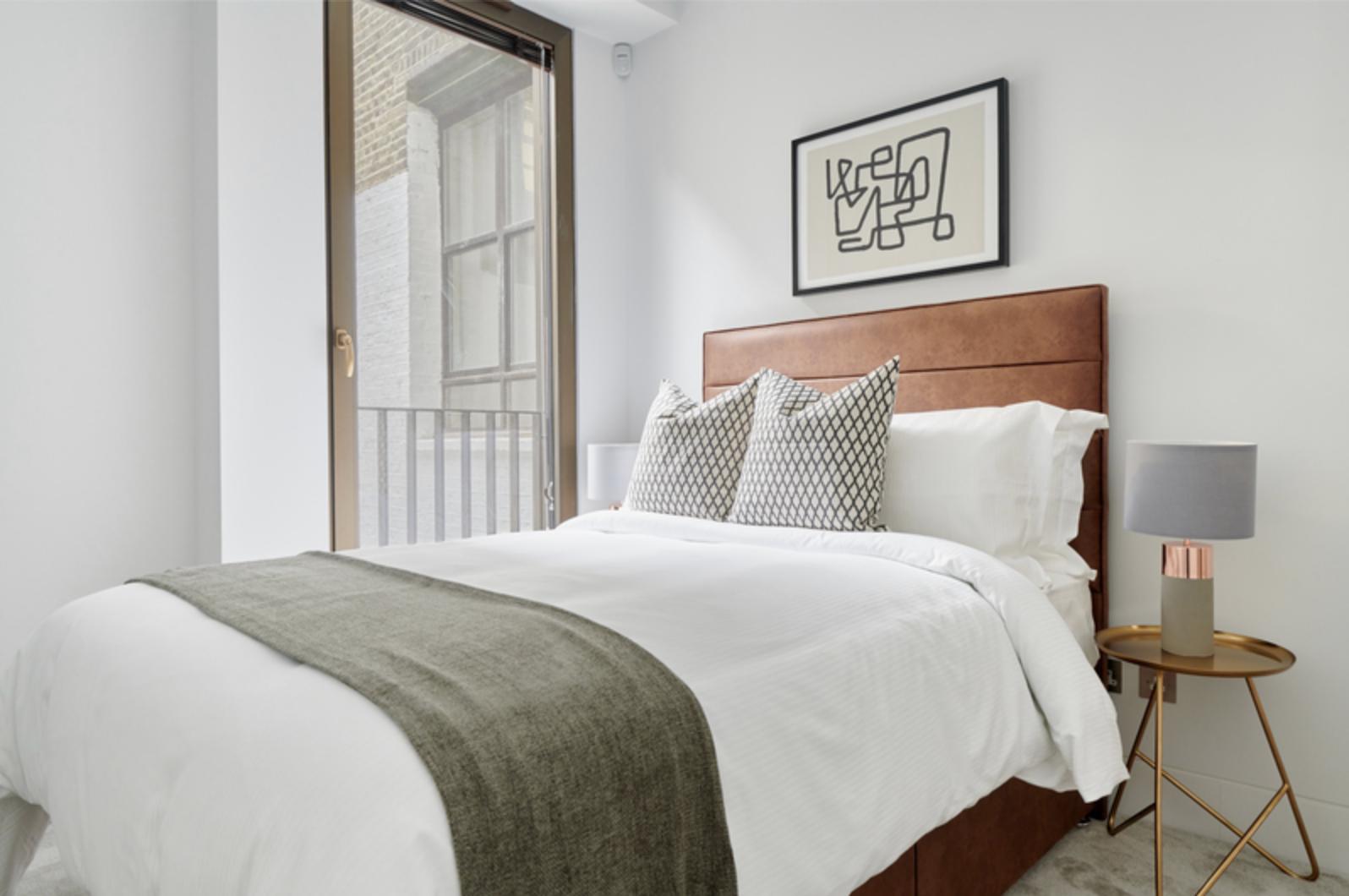 Bedroom at Bell Yard Apartments, City, London - Citybase Apartments
