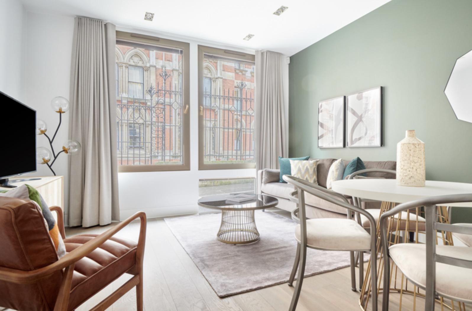 Lounge at Bell Yard Apartments, City, London - Citybase Apartments