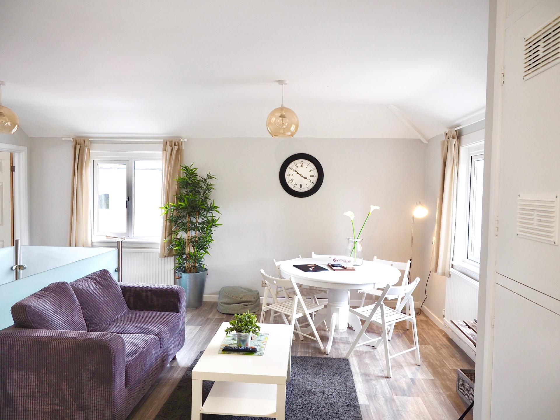 Living room at Exeter Suite Apartments, Headington, Oxford - Citybase Apartments