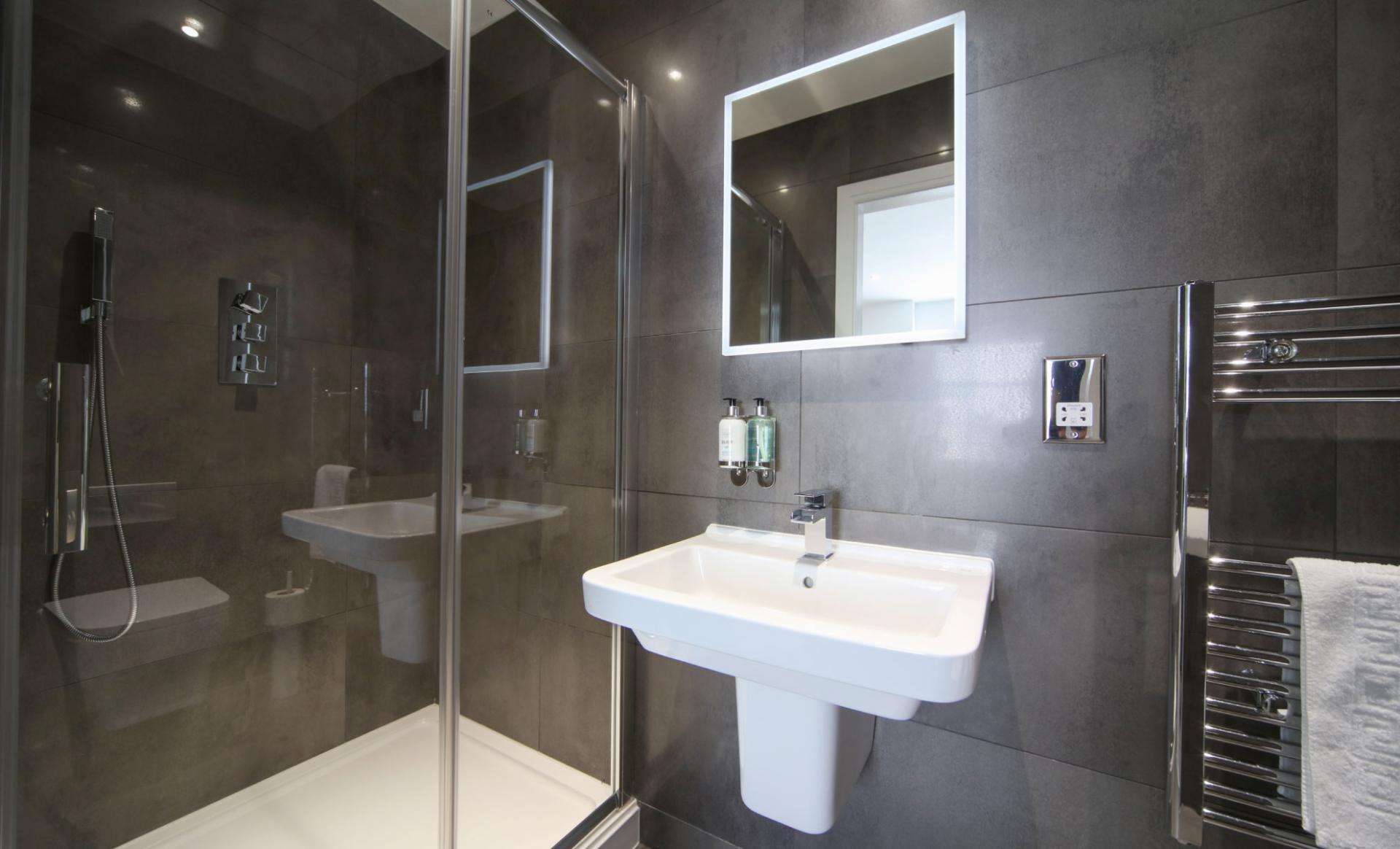 Bathroom at Citystop Apartments, Ropewalks, Liverpool - Citybase Apartments
