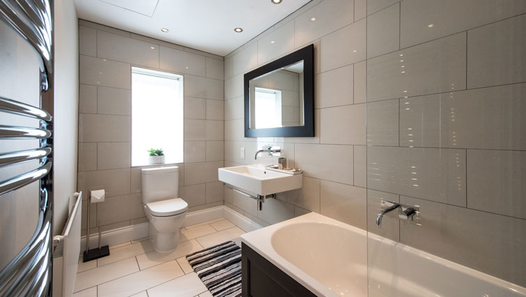 Bathroom at Oakfield Court Apartment Hotel, Sale, Manchester - Citybase Apartments