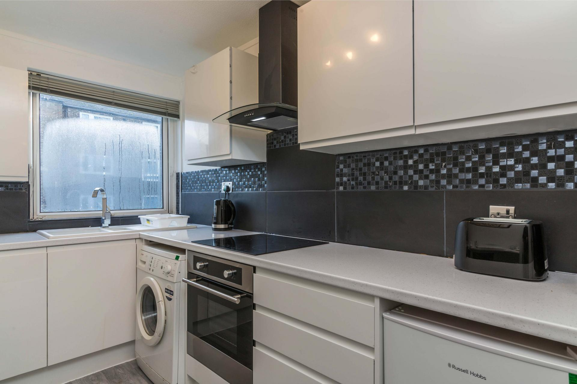 Kitchen at Redcliffe Apartment, Mapperley Park, Nottingham - Citybase Apartments