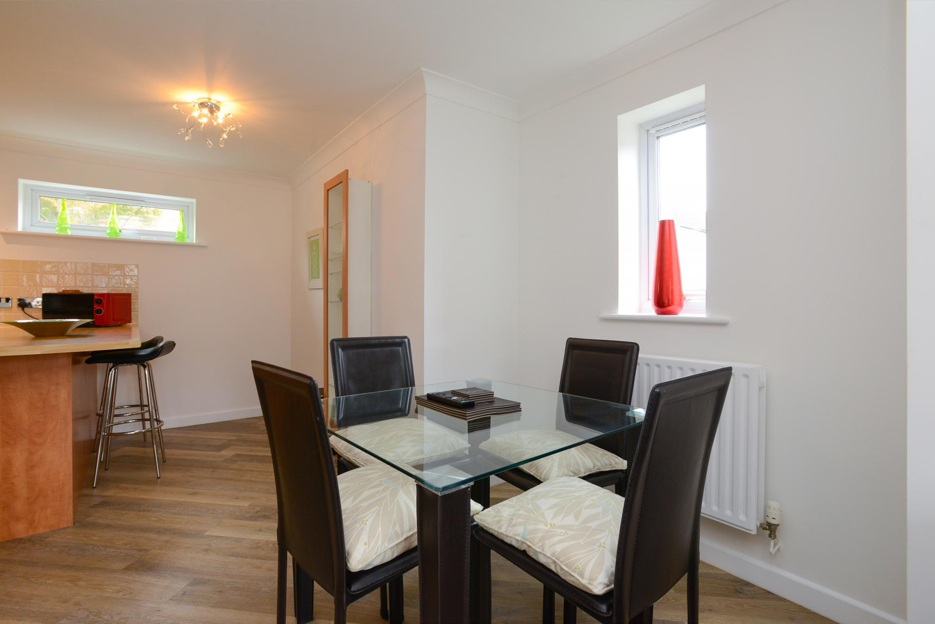 Dining area at Edward's Court Apartment, West Bridgford, Nottingham - Citybase Apartments