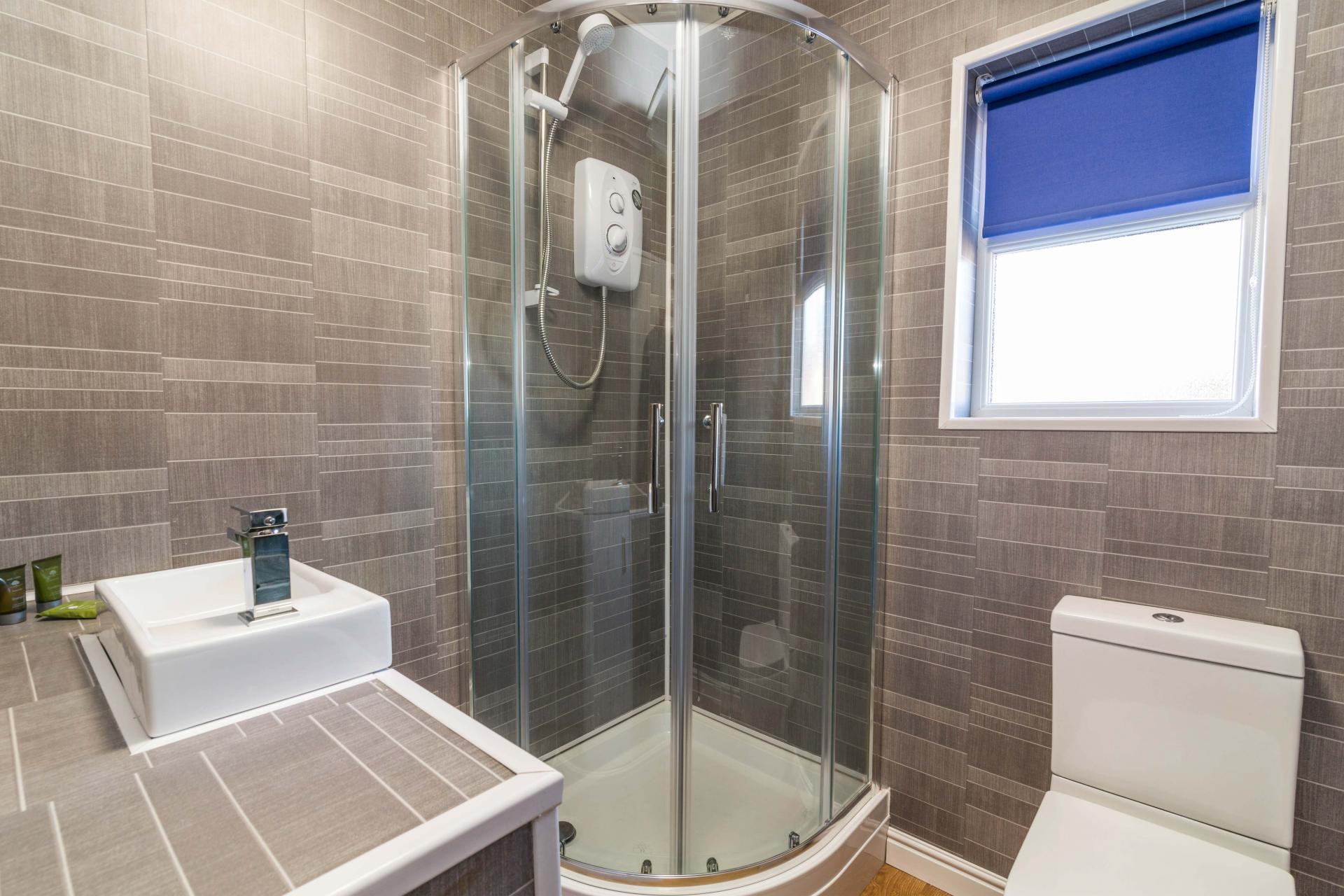 Bathroom at Charnwood House, Sawley, Nottingham - Citybase Apartments