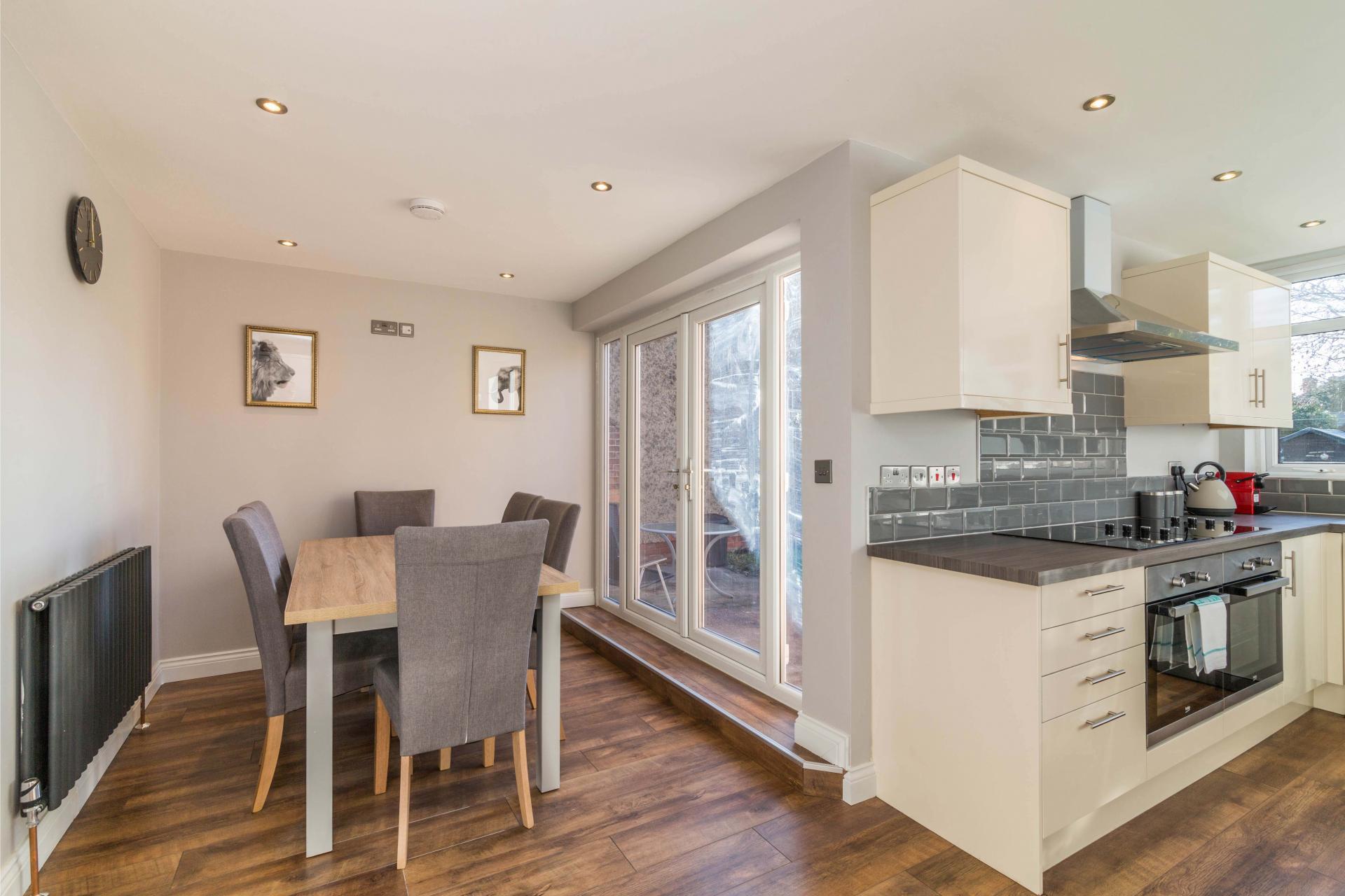 Kitchen diner at Charnwood House, Sawley, Nottingham - Citybase Apartments