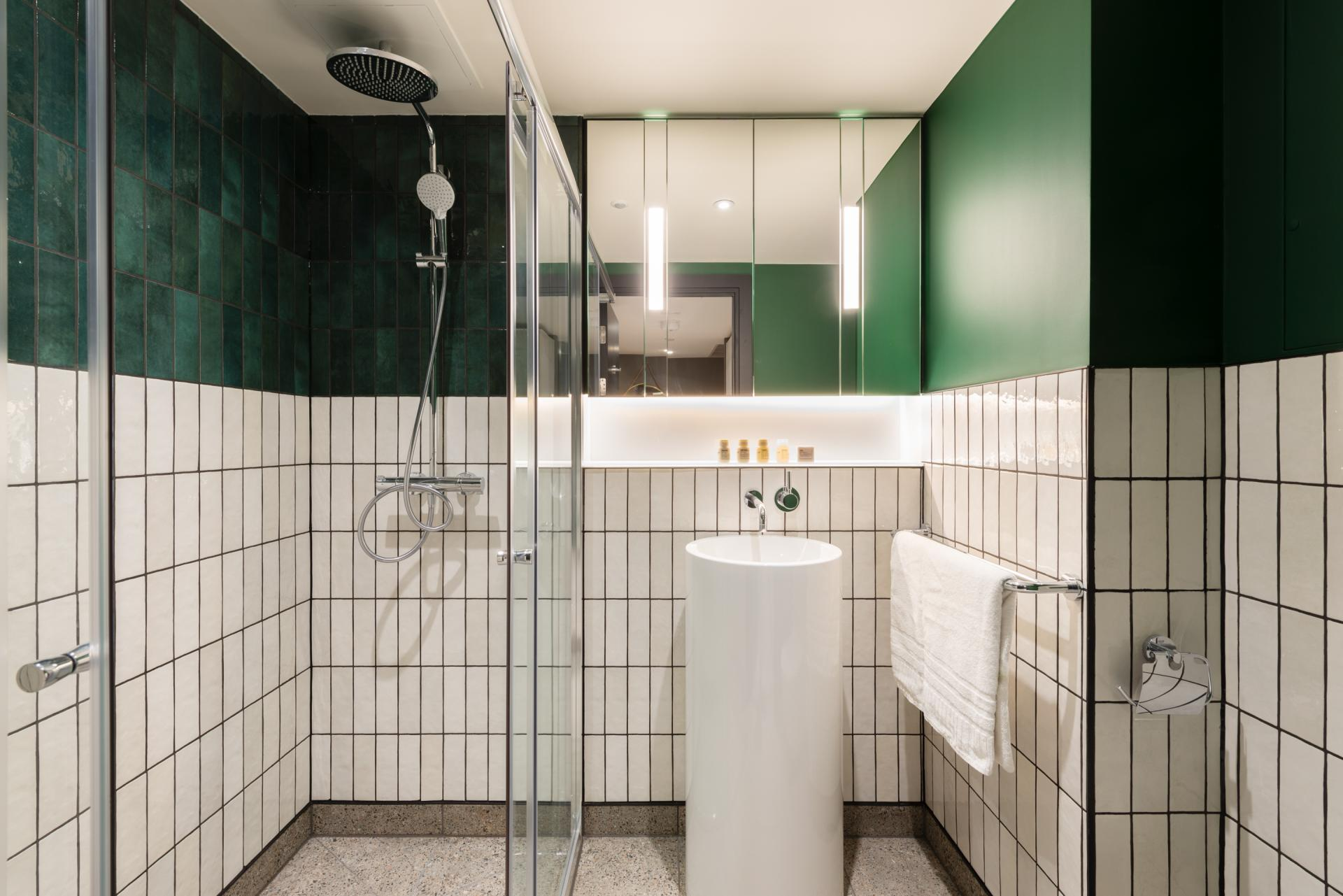 Bathroom at The Gate Apartments, Whitechapel, London - Citybase Apartments
