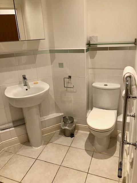Bathroom at Elmhurst Court Apartments, Centre, Camberley - Citybase Apartments