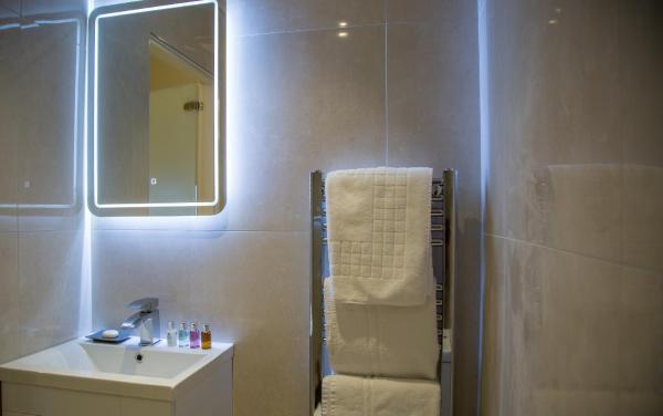 Bathroom at Winckley Square Hotel, Centre, Preston - Citybase Apartments
