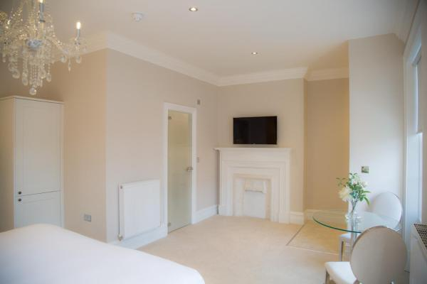 TV at Winckley Square Hotel, Centre, Preston - Citybase Apartments