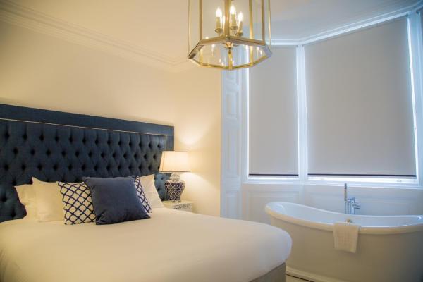 In-room bath at Winckley Square Hotel, Centre, Preston - Citybase Apartments