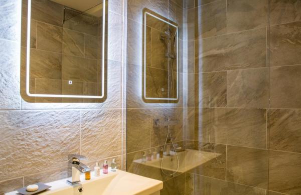 Sink at Winckley Square Hotel, Centre, Preston - Citybase Apartments