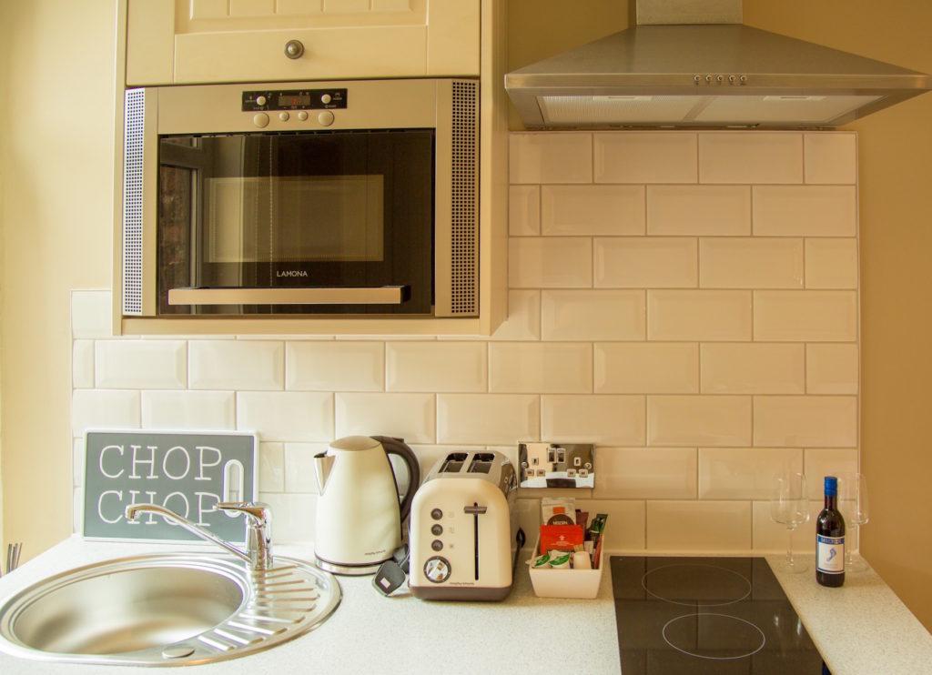 Microwave at No. 10 Theatre Street, Centre, Preston - Citybase Apartments