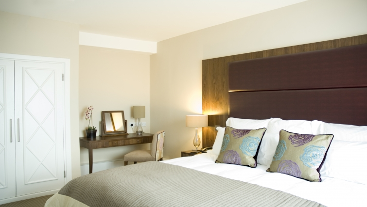 Stylish bedroom at Dolphin House - Citybase Apartments