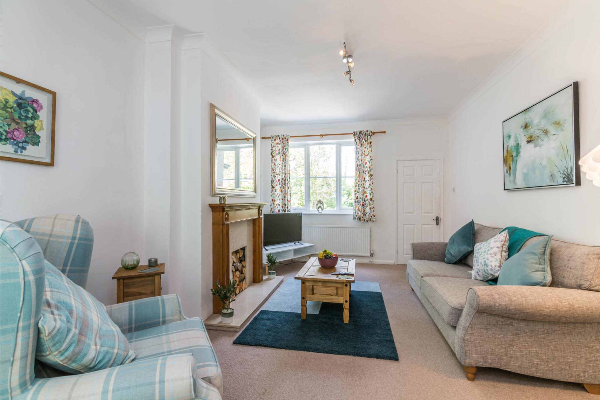 Living area at Mapperley House, Mapperley Park, Nottingham - Citybase Apartments
