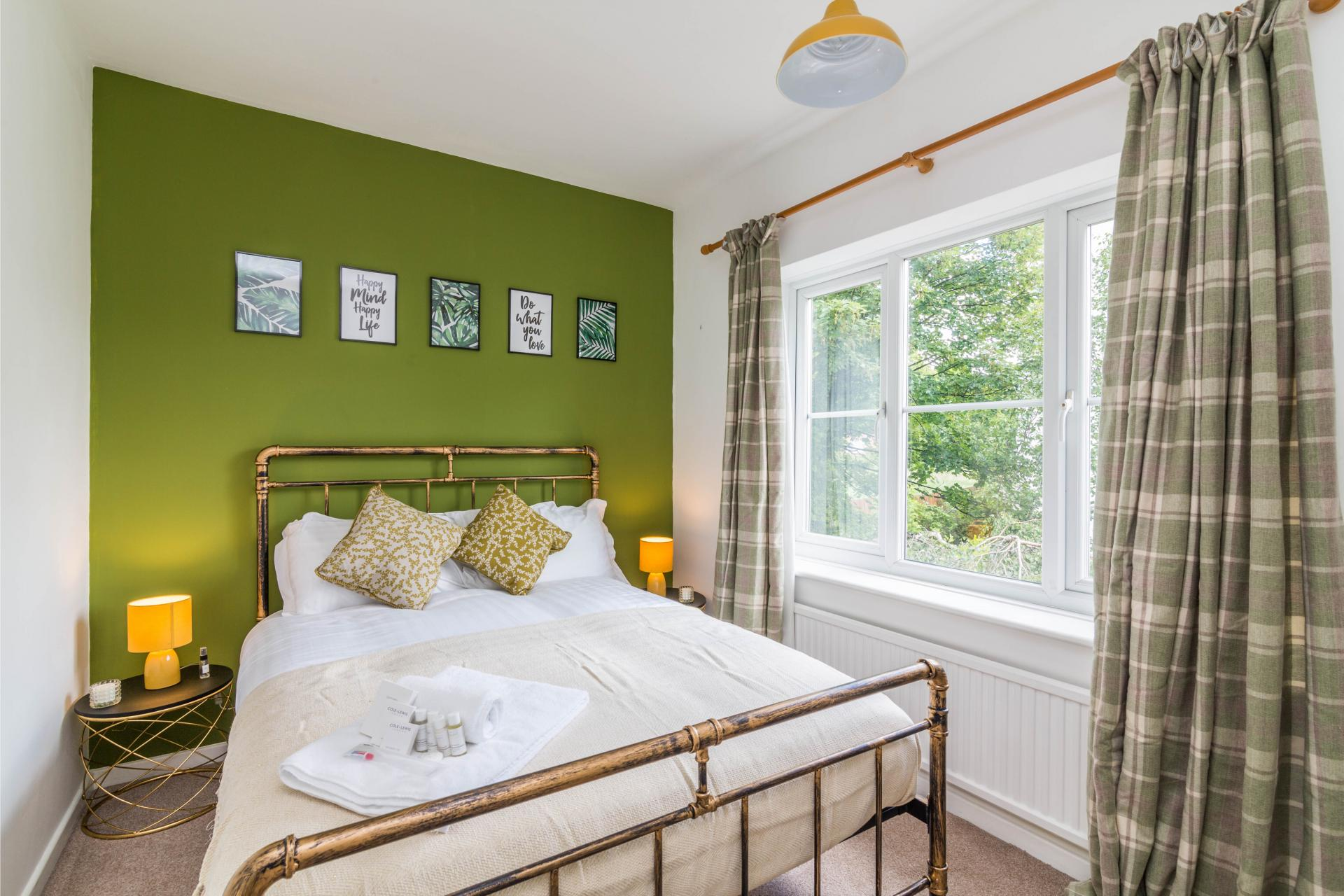 Bedroom at Mapperley House, Mapperley Park, Nottingham - Citybase Apartments