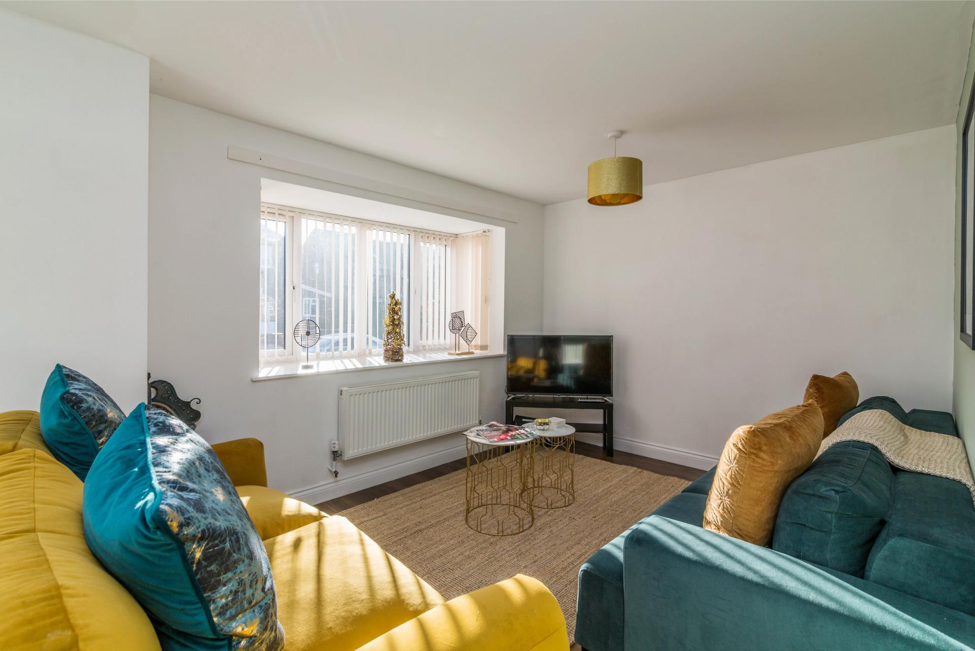 Living area at Mayo House, Carrington, Nottingham - Citybase Apartments