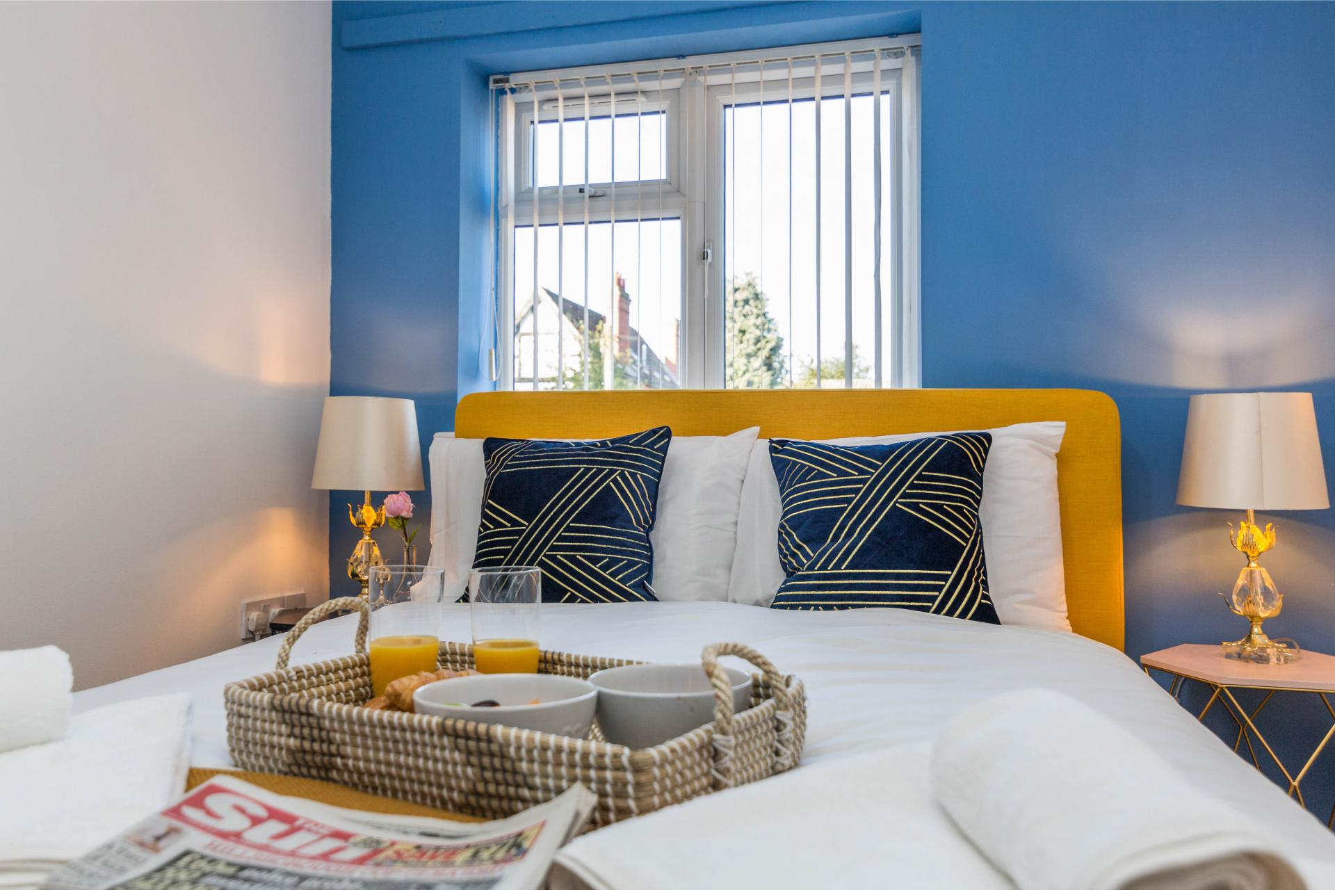 Breakfast in bed at Mayo House, Carrington, Nottingham - Citybase Apartments